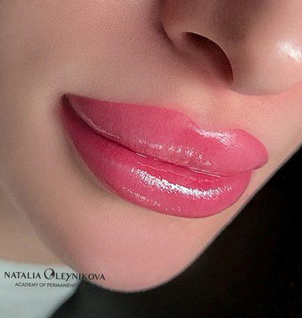 губы акварельная техника